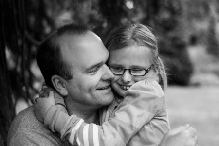 Father and daughter moment, family lifestyle photography, Dunorlan Park, Sarah Hart Photography