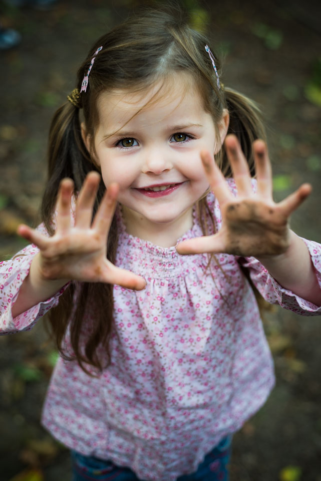 Mucky hands, children's portraiture by Sarah Hart Photography, Ightham Mote, Kent