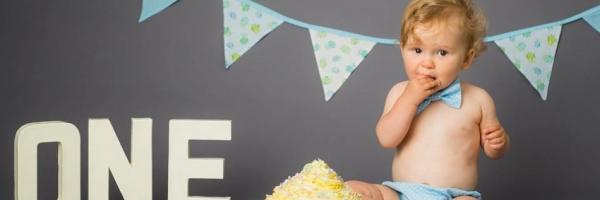 smash the cake, birthday fun, Tonbridge and all of Kent, photography by Sarah Hart