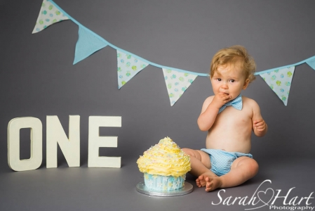 smash the cake, birthday fun, Tonbridge and all of Kent, photography by Sarah Hart