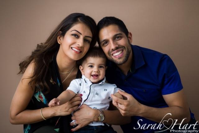 Family portrait, smiling family photo, studio photography, Tonbridge