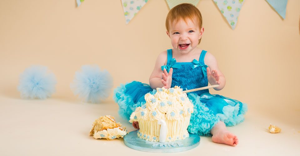 1st birthday cake smash photos, Tonbridge