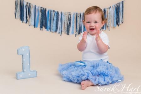 #iamone, Sarah Hart Photography, Kent Cake Smash photographer, celebrate turning one
