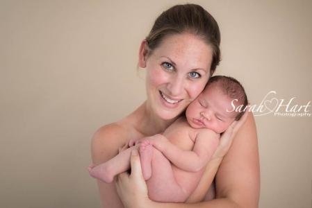 mum and her baby, newborn photographer tunbridge wells