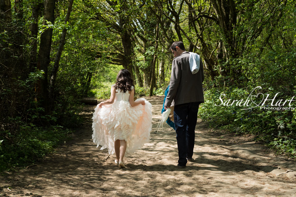 carrying his daughter's stuff, portrait photographer in kent
