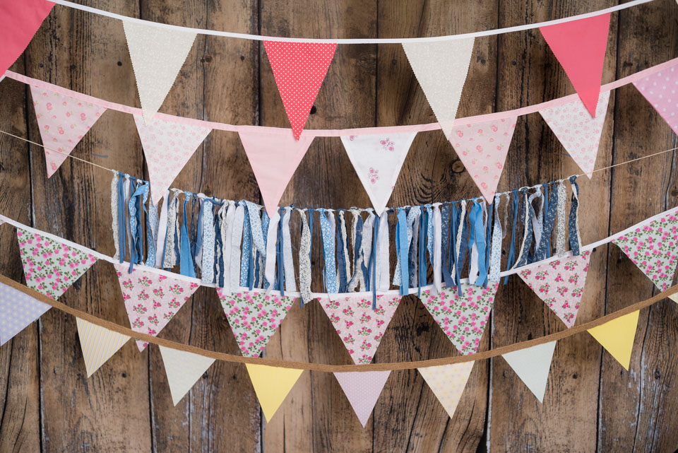 garlands and bunting for cake smash sessions, choose at my tonbridge studio, Kent photographer