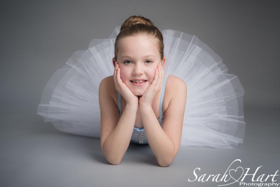 ballerina in relaxed pose, Sevenoaks, Tunbridge Wells dance photographer