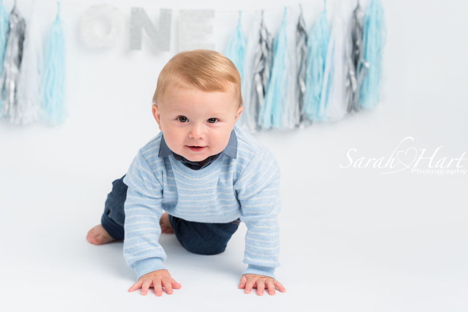 on the move and crawling, baby photo shoot, sevenoaks