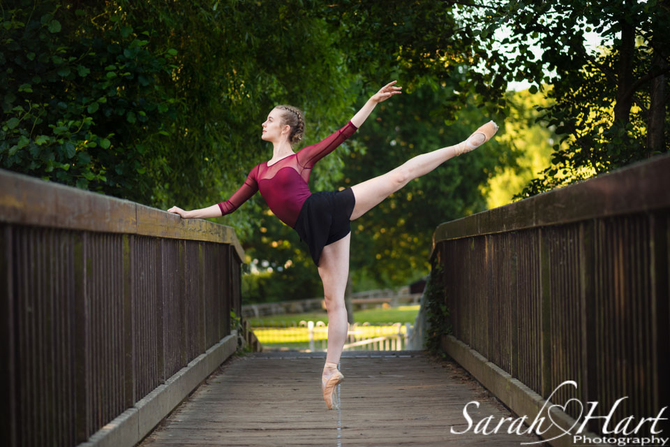 arabesque, Royal ballet school student on pointe, dance photography