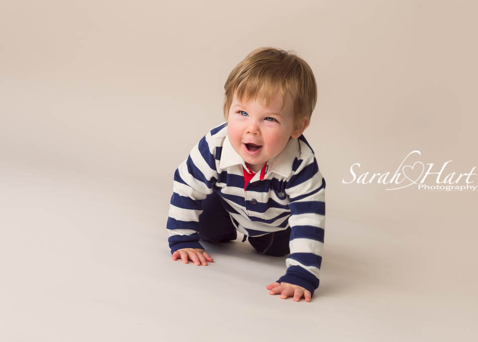baby crawling photograph, 11 months old baby picture, portrait session