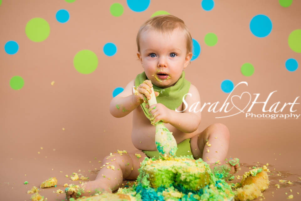cake smash birthday pictures, cheeky monkey photo, Tonbridge