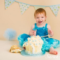 Cake Smash - Sarah Hart Photography