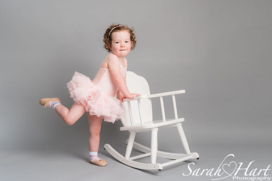 baby ballet dancer arabesque, sevenoaks dance photography