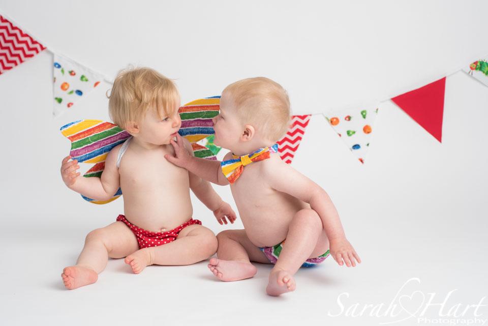 cute baby kisses, 1st birthday portrait, kent cake smash photographer