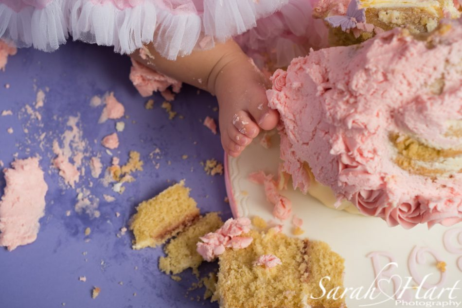 cake in toes, cake smash photographey kent
