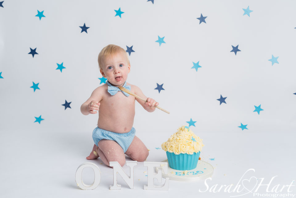 white and blue stars, cake smash boy, maidstone cake smash
