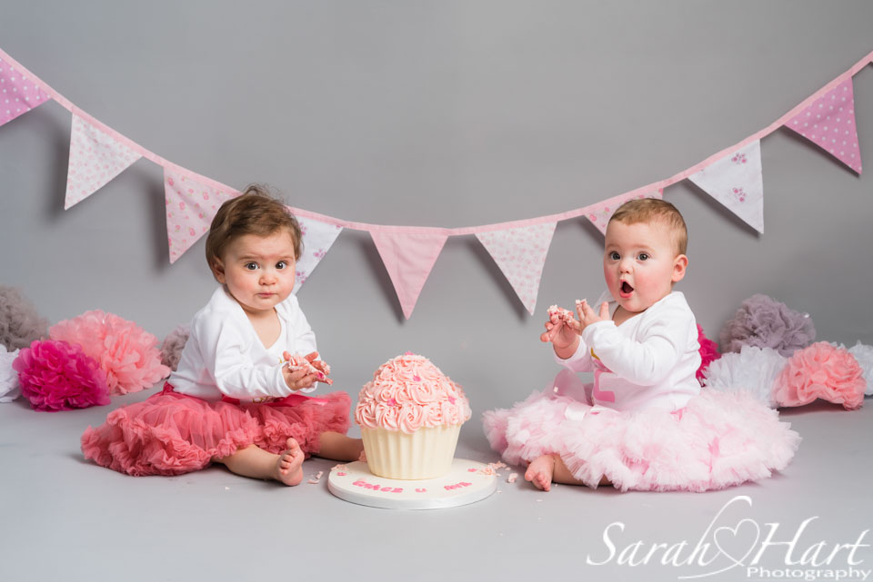 twin girls birthday, cake smash tonbridge