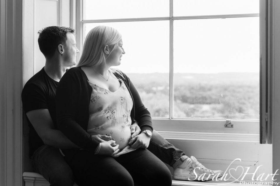 Summer Kent maternity shoot at Oxon Hoat, Hadlow