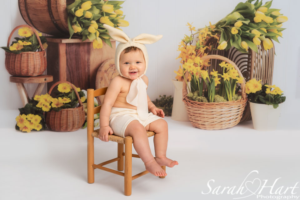 Spring mini session, girl in bunny outfit, kent family photographer
