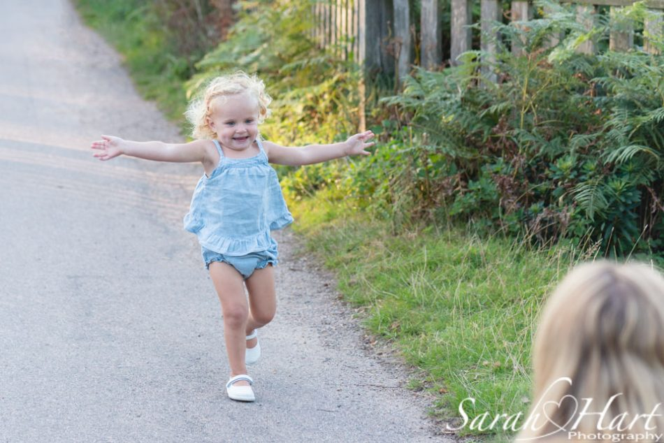 running to mummy, image captured by Sarah Hart Photography